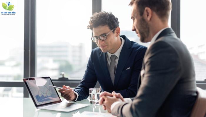 Các yếu tố bên ngoài ảnh hưởng đến doanh nghiệp