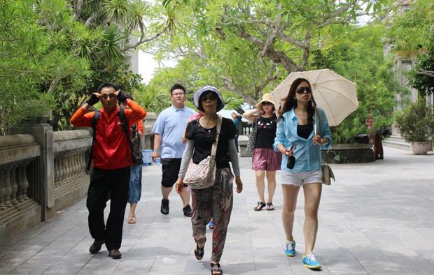 Khái niệm về khách du lịch