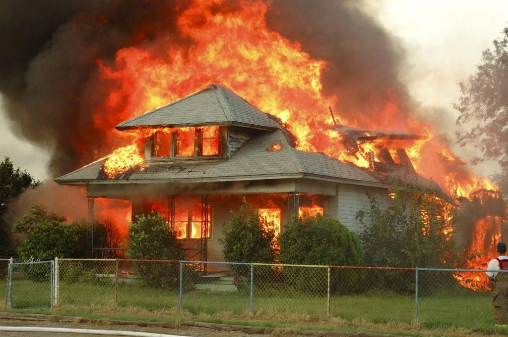 Đám cháy được lan rộng ra như thế nào?