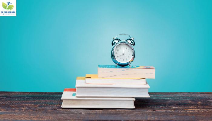 Có những cách sắp xếp tài liệu tham khảo trong luận văn nào?